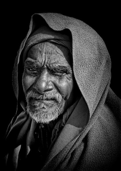 One-eyed pilgrim of Haridwar by sawsengee