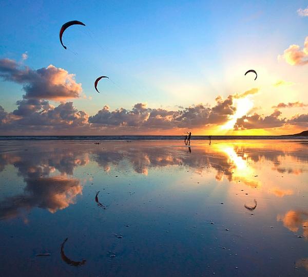 Kite Surfers, Saunton Sands by RobDougall