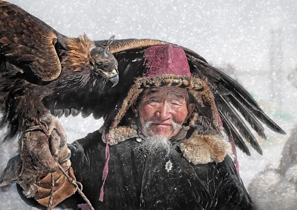The Octogenarian Eagle Hunter