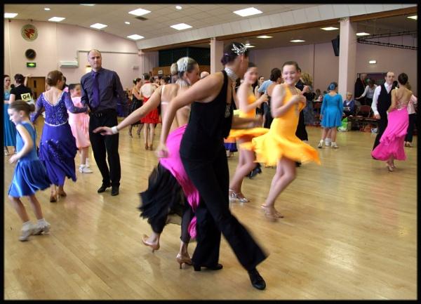 keep on dancing by mrtower