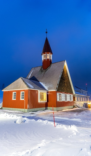 The winter chapel by Ingymon