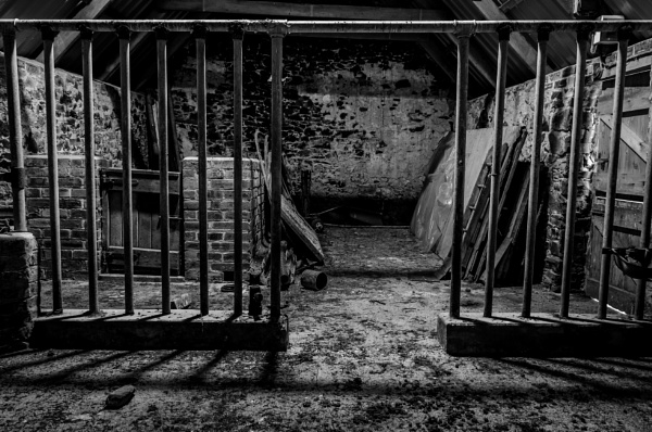 Old empty barn by Craigie10