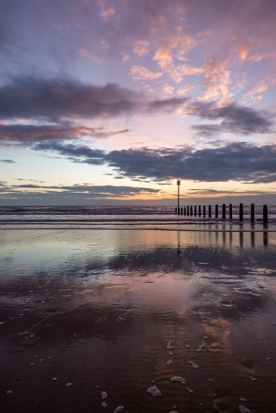 Blyth Beach Dawn by flowerpower59