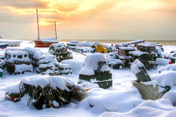 Seaside Snow 2 by Photony