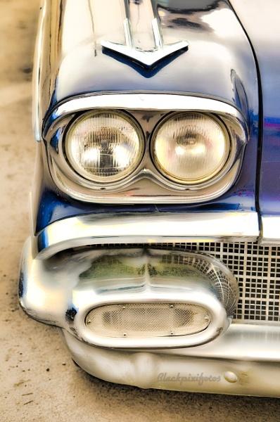 Pontiac Chieftain by blackpixifotos