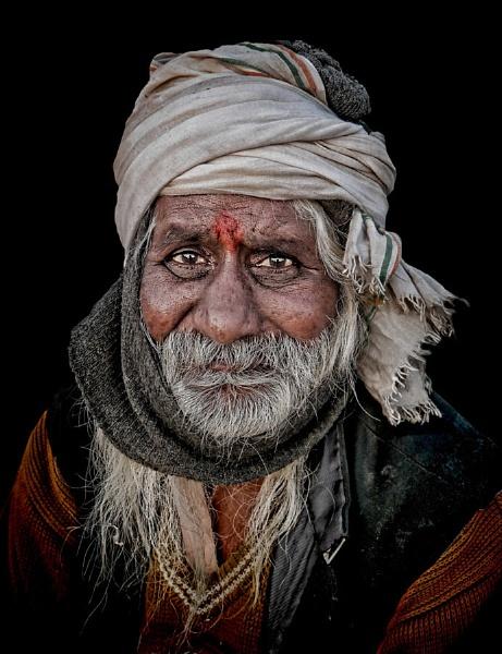 Pilgrim in Haridwar by sawsengee