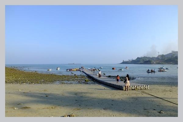 Sea beach activity by prabhusinha