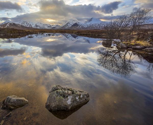 Lochan na h-Achlaise by Mark_Callander