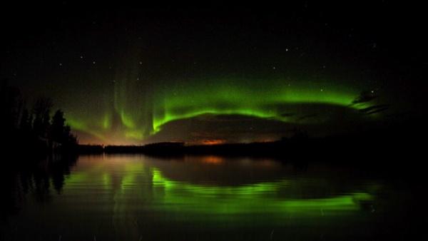Aurora  borealis by StevePushman