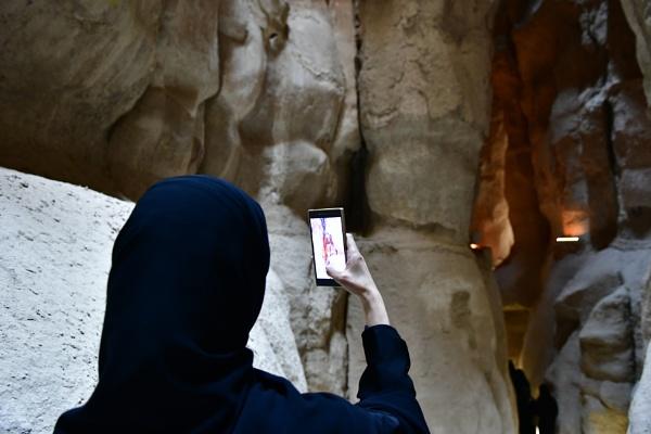Woman taking photos by Savvas511