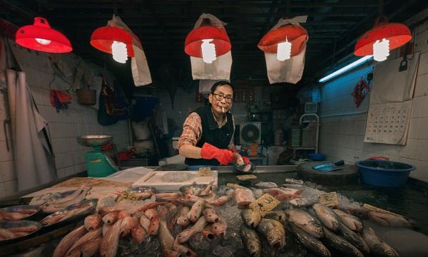 Fish stall, Mong Kok by tom_earwaker