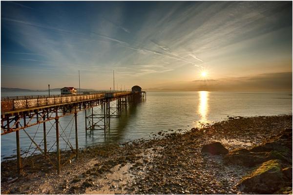 mumbles pier by daibev