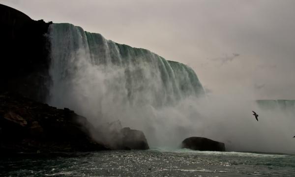 Niagara Falls III by barryyoungnz