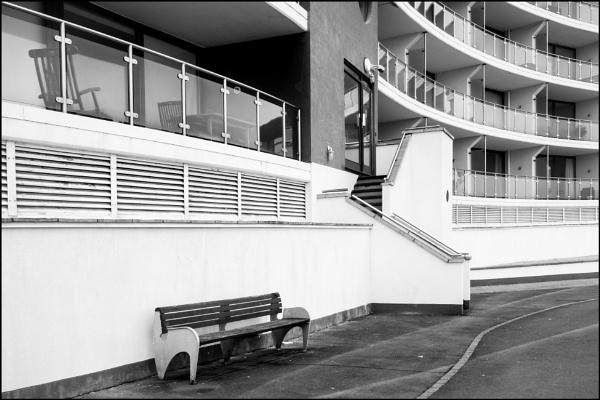 Modern Building by bwlchmawr