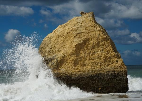 Rock\'s on Alvor beach Portugal by Simply1