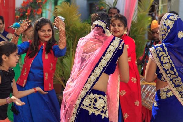 Dancing at Indian wedding by bobbyl