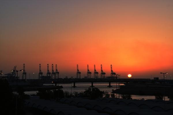 Sunset @ Jeddah Port by aliathik