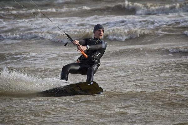 kite surfing by Draig37
