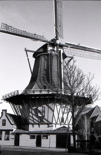 "corn mill \"" De Bleeke Dood\"", The Pale Death in Zaandijk Netherlands by wildebassman"