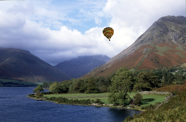 Air Balloon over Wastwater by freestyle