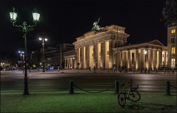 Brandenburger Tor by DicksPics