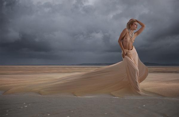 Siren of the Dunes