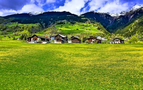 Suiza desde el tren 2 by Azteca