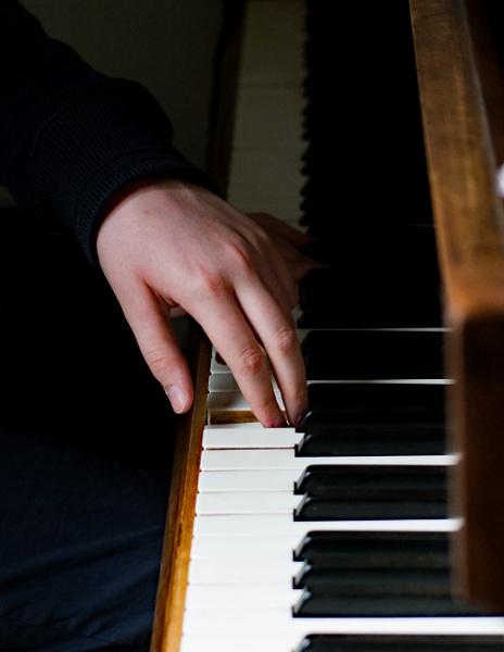Piano practice by nbmezzo