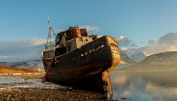 Loch Linnie wreck by rontear