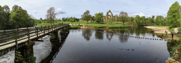 Bolton Abbey by Fefe