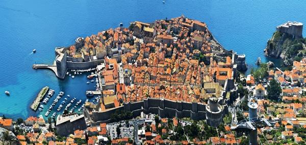 Dubrovnik Croacia by Azteca