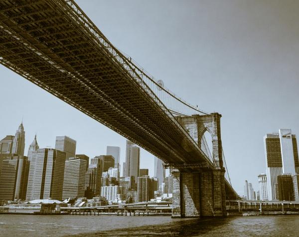 Brooklyn Bridge by Minty805