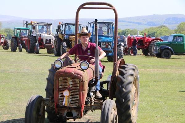 Tractor Rally by Sb_studio