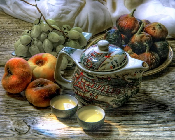 kettle with fruit by Alexandr28