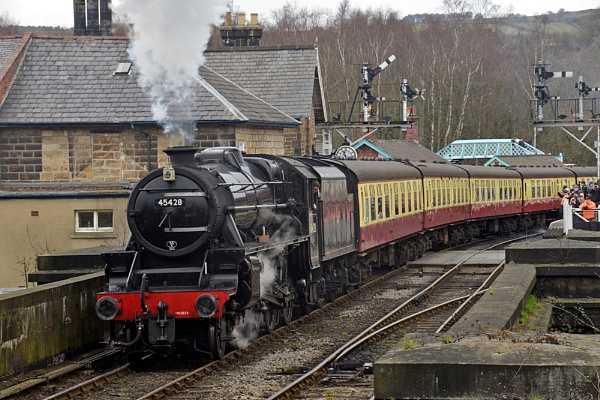 Eric Treacy leaving Grosmont for Pickering by peterthowe