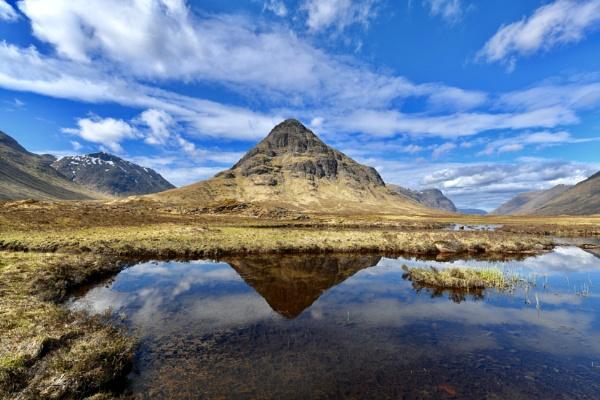 Lochan Na Fola, Buachaille Etive Beag and Glencoe by smithgj