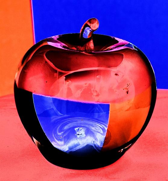 GLASS APPLE by SOUL7