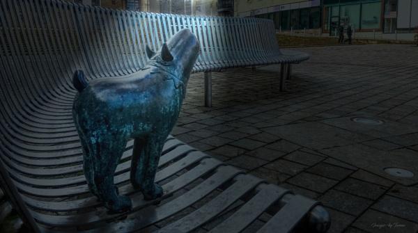 Howling Hound-dog: Street art-1.