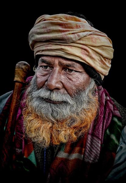 Pilgrim in Haridwar Har-ki-Pauri by sawsengee
