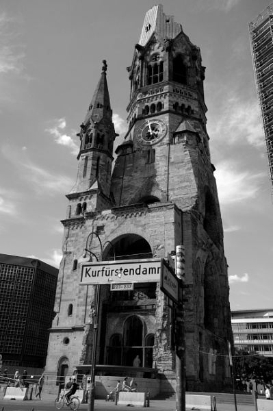 Alt Kirche - Berlin by AndyWUK