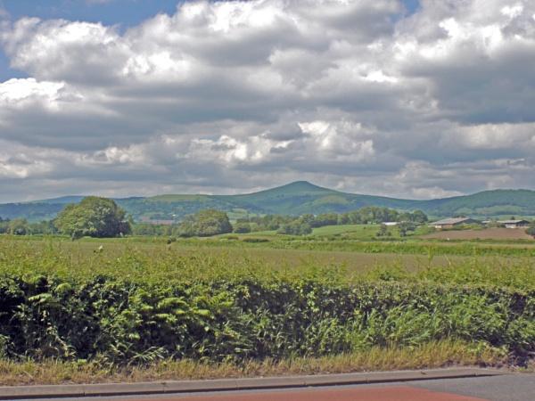 Sugarloaf Abergavenny from Llanellen. by GeeJoe