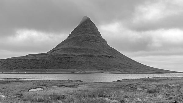 Kirkjufell Mountain, Iceland by pdunstan_Greymoon