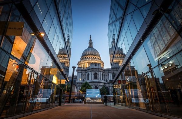 St Paul\'s Cathedral by nickmoulds