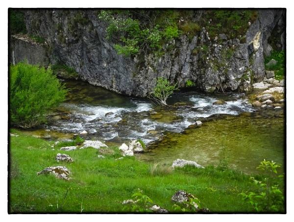 Mountain  River by nklakor