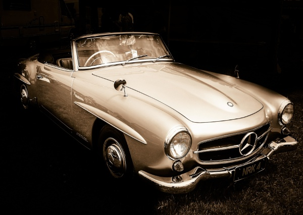 Mercedes by andy_silvester
