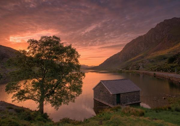 Llyn Ogwen by Stumars