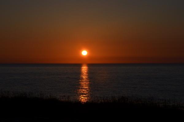 Pontllyfni sunset by DaveHoskins