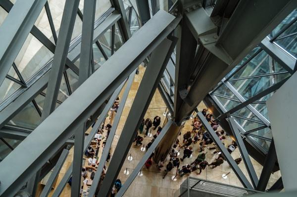 Guggenheim queue by philstan