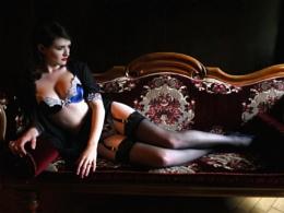 Sitting Pretty - Boudoir Beauty