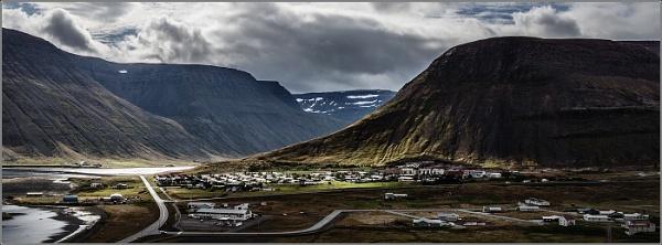 Icelandic Shadows and Light by Otinkyad